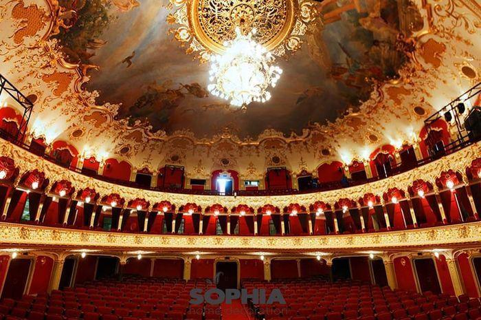 Teatrul-National-Vasile-Alecsandri